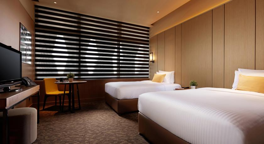 Twin room at Aerotel Abu Dhabi