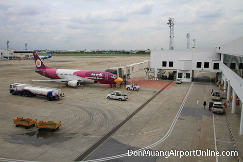 Don Muang Airport Nok Air Plane at the Gate