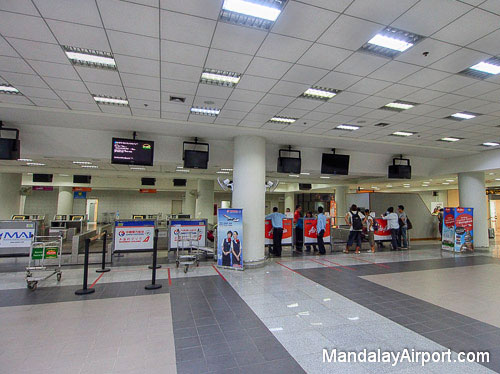 Check-in Counters - AirAsia