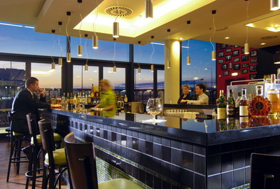 Courtyard by Marriott Prague Airport Bar Restaurant