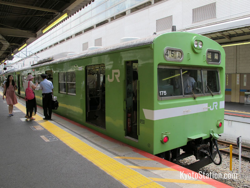 A local train on the JR Nara Line