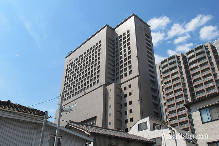 Hotel Hanshin was designed by the well known hospitality designers Hirsch Bedner Associates
