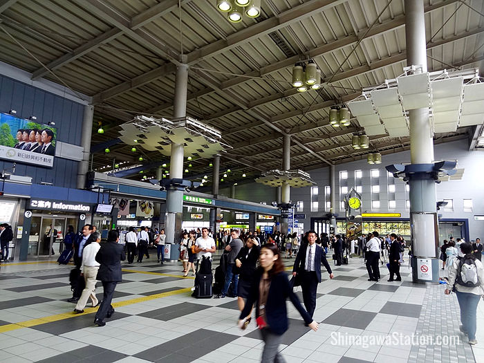 The central passageway by the Central Gate at JR Shinagawa Station